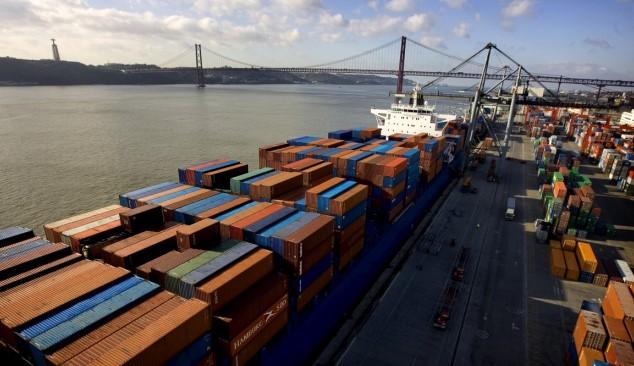 Greve portuária afeta indústria